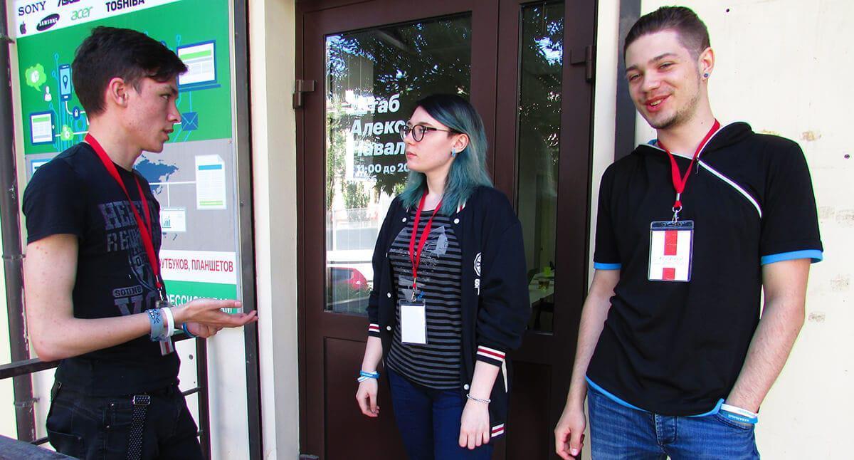 Волонтеры Навального: проплаченный пиар или новая политическая сила?