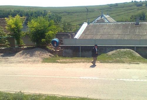 18099180105 Жители селения Верхний Куркужин Кабардино-Балкарии заколотили двери  амбулатории в знак протеста против увольнения врача
