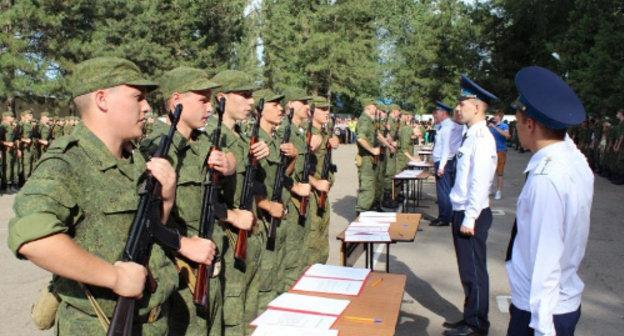 Двадцатилетний марат тузбаков, страдающий раком в последней стадии, был призван для прохождения воинской службы в