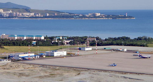 Вид на аэропорт Геленджика. Фото: http://airport-gelendzhik.ru/photos.htm