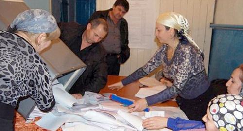 Памфилова пообещала проверить сообщения о нарушениях на выборах в Дагестане