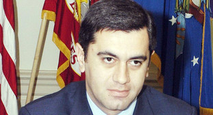 Окруашвили Ираклий Кобаевич. Фото: https://commons.wikimedia.org/wiki/File:Irakli_Okruashvili_meets_Donald_Rumsfeld_(June_17,_2005).jpg