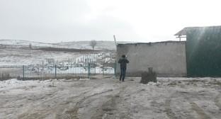 Вид на кладбище со стороны автотрассы Грозный - Побединское. Фото - Николай Петров.