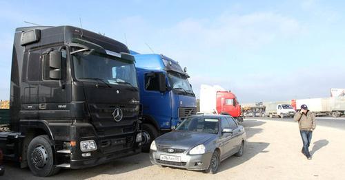 Власти пообещали решить проблемы бастующих в Дагестане дальнобойщиков