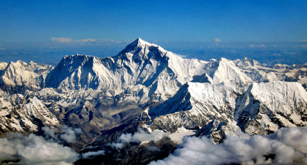Эверест. Фото: Mount Everest https://ru.wikipedia.org
