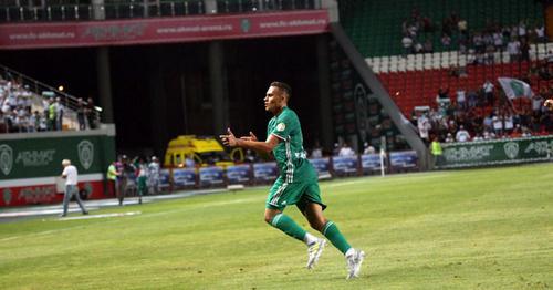 "Игрок футбольного клуба ""Ахмат"". Фото http://fc-akhmat.ru/news"