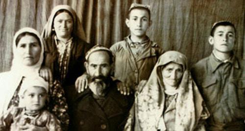 Турки месхетинцы. 1940-е года. Фото https://mytashkent.uz/2015/11/28/deportatsiya-turok-meshetintsev/