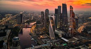 Вид на бизнес-центр Москва-сити. Фото Igorkhait https://ru.wikipedia.org/wiki/Москва-Сити#/media/File:Moscow_Business_Center_Sep2017.jpg
