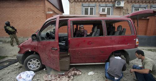 Разрушенный автомобиль в результате теракта. Фото: REUTERS/Kazbek Basayev