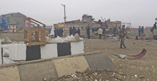 На месте теракта в Хасавюрте. Февраль 2013 года. Фото: REUTERS/Abdula Magomedov/NewsTeam/Handout