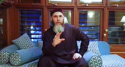Салах Межиев. Кадр из видео https://www.youtube.com/watch?v=q56Q3Xvs9k0