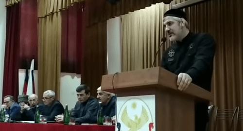 Bildergebnis für Съезд чеченцев в Хасавюрте встревожил пользователей сети