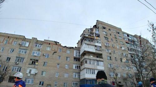 МЧС предупредило об угрозе обрушения дома в Шахтах