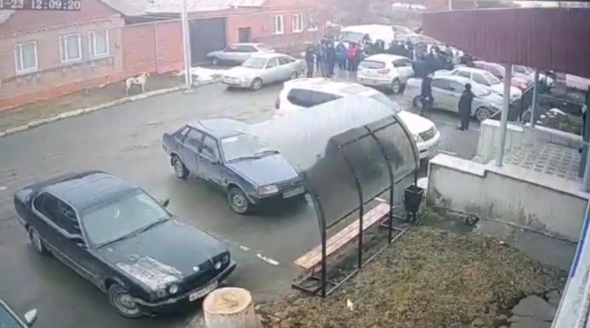 Скриншот видео визита ингушской делегации в администрацию села Ир в Пригородном районе, 23 января 2019 года. https://t.me/ossetiaFB/6818