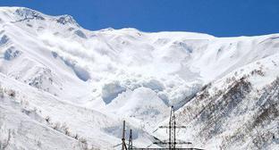 Спасатели предупредили о риске схода лавин в Дагестане