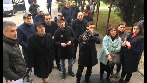 Заседание парламента Абхазии возмутило протестующих против коррупции