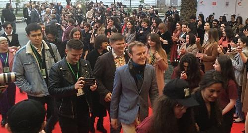 Более 600 человек пришли на открытие кинофестиваля в Сухуме