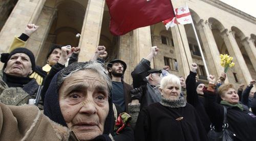 Разгон антисоветского митинга в Тбилиси ускорил демонтаж СССР