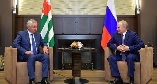 Встреча с Путиным продемонстрировала поддержку Хаджимбы Кремлем