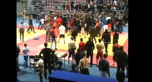 Массовая стычка на турнире по самбо произошла в Назрани