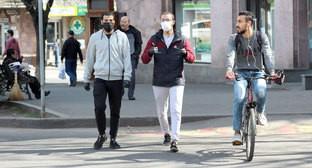 "Люди на улицах Еревана. 26 марта 2020 года. Фото Тиграна Петросяна для ""Кавказского узла""."