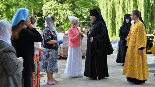 Храмы Адыгеи открылись для верующих вслед за мечетями