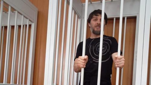 Обвиняемому в терроризме жителю Дмитрова позволили увидеться с отцом