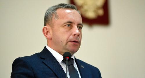 Глава района в Адыгее ушел в отставку на фоне уголовного преследования