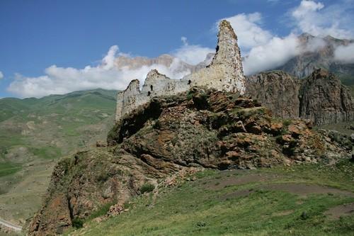 Крепость Жабо-Кала. Фото предоставлено Тенгизом Мокаевым