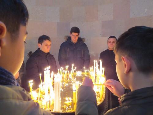 Прихожане в Соборе Пресвятой Богородицы в Степанакерте, 6 января 2021 года. Фото Алвард Григорян для «Кавказского узла»