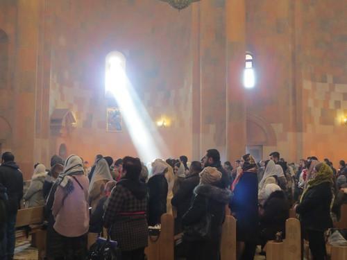 Во время литургии в Соборе Пресвятой Богородицы в Степанакерте, 6 января 2021 года. Фото Алвард Григорян для «Кавказского узла»