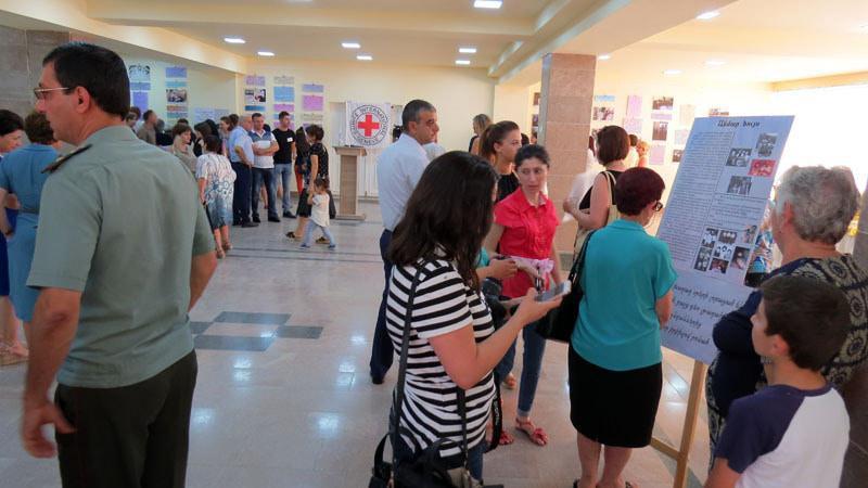 МИД: 400 человек числятся пропавшими без вести взоне АТО
