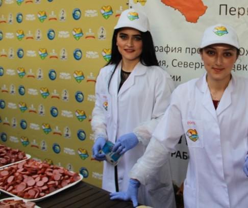 Президент Южной Осетии проконсультировал армию ДНР, как противоборствовать ВСУ