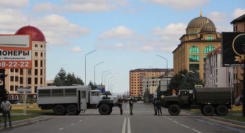 Силовики рядом с местом проведения митинга. Магас, 6 октября 2018 года. Фото Магомеда Муцольгова, http://www.kavkaz-uzel.eu/blogs/342/posts/34822