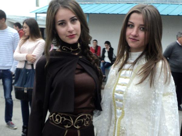 Вечерние платья на кавказе